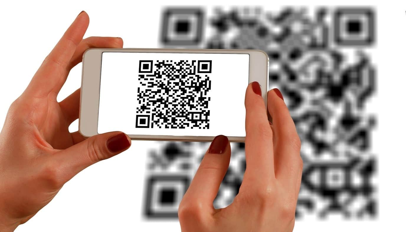 content/it-it/images/repository/isc/2020/9910/a-guide-to-qr-codes-and-how-to-scan-qr-codes-1.jpg